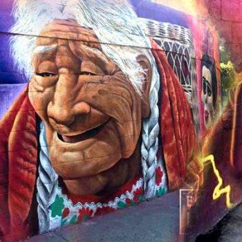 """Murales de """"Coco"""" engalanan el Día de Muertos"""