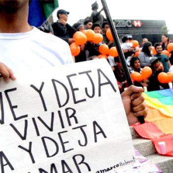 Parejas gays tendrán mismos derechos en IMSS e ISSSTE