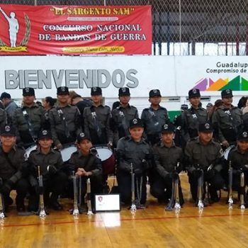Ganan primer lugar la Banda de Guerra 'Cuervos' en concurso regional