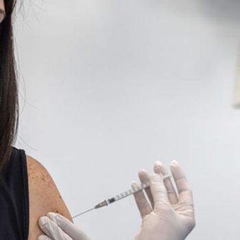 Abren los registros para la vacuna anti Covid para mayores de 40 años