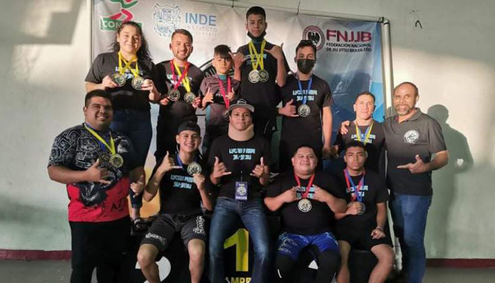 Atletas de Río Bravo, vuelven a casa con 16 medallas de torneo estatal